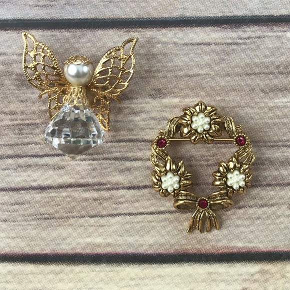 Avon Jewelry - Vintage Pearl Holiday Christmas Brooches Pins